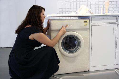 Lise Lefebvre e una lavatrice